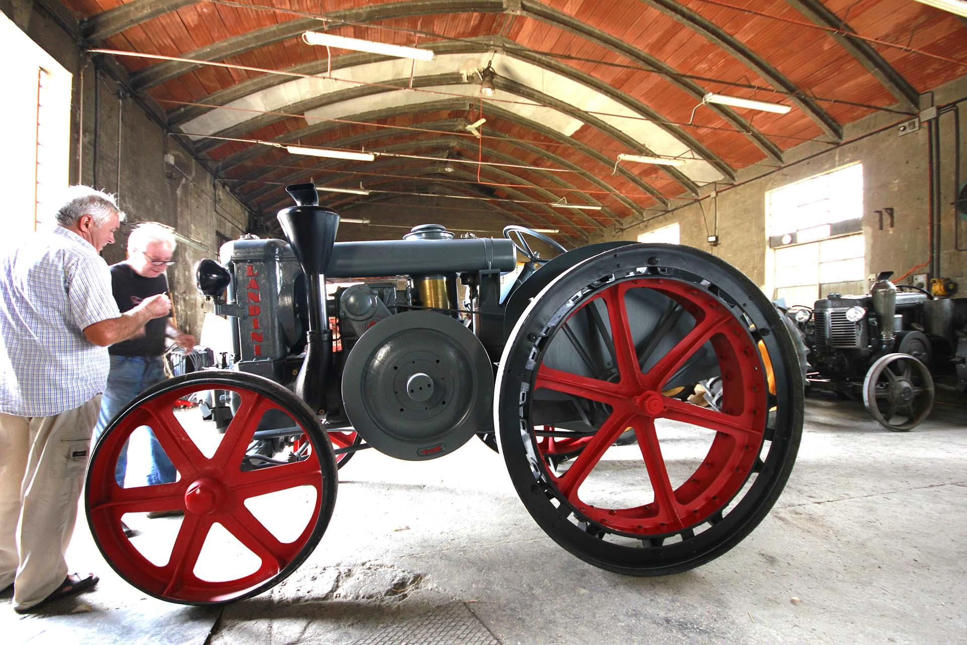 Modello landini e i nostri trattori landini d epoca frignani for Primo prezzo